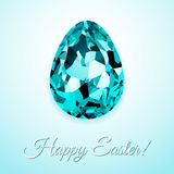 Glückliches Ostern-Grußkartendesign mit kreativem Kristall-Osterei auf hellem Hintergrund und Zeichen fröhliche Ostern, Vektorill lizenzfreie abbildung