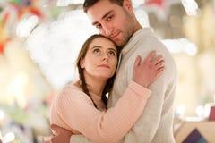 Glückliches Paar auf romantischem Foto Lizenzfreie Stockfotografie