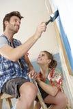 Glückliches Paar DIY zu Hause Stockbilder