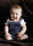 Glückliches Säuglingsschätzchenlachen stockfotos