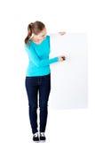 Glückliches Schönheitsschreiben mit einem Stift auf leerem Brett. Stockbilder
