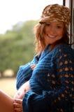 Glückliches schwangeres Mädchen Stockbild