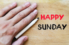 Glückliches Sonntags-Textkonzept Stockfotos