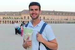 Glückliches touristisches Lächeln an der Kamera lizenzfreie stockfotos