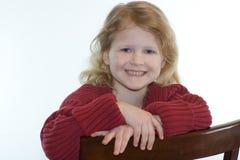 Glückliches und lächelndes kleines blondes Mädchenportrait. Lizenzfreie Stockbilder