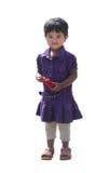 Glückliches und lächelndes nettes junges Mädchen (Kind) getrennt auf Weiß Stockfotos