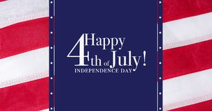 Glückliches 4. von Juli-Gruß Gruß mit rotem, weißem und blauem Hintergrund stockfoto