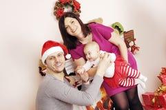 Glückliches Weihnachtsfamilie Lizenzfreie Stockfotos