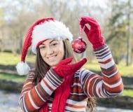 Glückliches Weihnachtsjunge Frau stockbilder