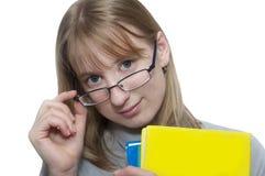 Glückliches younq blondes Studentenmädchen Stockfoto