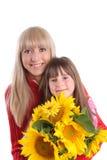 Glückmama mit einer Tochter stockbilder
