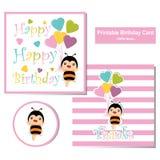 Glückwunschkarte mit netter Biene und buntem Herzen steigt passendes für Geburtstagspostkarte im Ballon auf Lizenzfreie Stockfotos