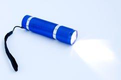 Glühende blaue Taschenlampe Lizenzfreie Stockfotografie
