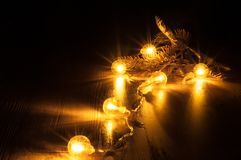 Glühende Girlande des neuen Jahres Lizenzfreie Stockfotografie