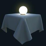 Glühender magischer Ball auf einer quadratischen Tabelle Lizenzfreie Stockfotografie