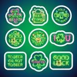 Glühender Neon-Patricks-Zeichen-Aufkleber-Satz mit Anschlag Stockfotografie