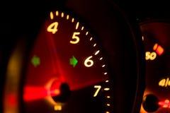 Glühender Tachometer Lizenzfreies Stockfoto