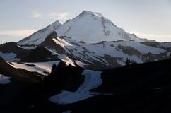 Glühender Vulkan lizenzfreie stockfotos