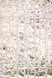 Glühender weiße Leuchte-Zaun Stockfoto