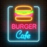 Glühendes Schild des Neonburgercafés auf einem dunklen Backsteinmauerhintergrund Helles Anschlagtafelzeichen des Fastfoods stock abbildung