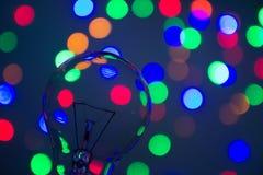 Glühlampe im bokeh lizenzfreie stockfotografie