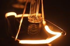 Glühlampe stellt an und ab Lizenzfreies Stockbild