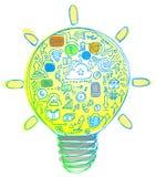 Glühlampe voll von Internet-Ikonen Lizenzfreie Stockfotografie