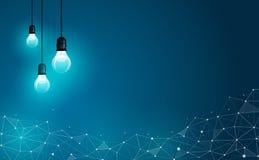 Glühlampen auf abstraktem geometrischem polygonalem Hintergrund Geschäft, Wissenschaft und Technik-Konzept Auch im corel abgehobe Stockfoto