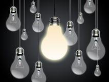 Glühlampen mit Idee Conzept stockbild