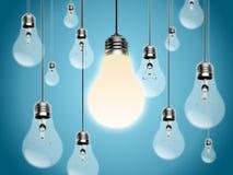 Glühlampen mit Idee Conzept Stockfoto