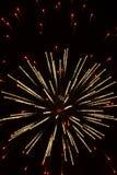 Αφηρημένα πυροτεχνήματα: Μικροσκοπικά κόκκινα φώτα που περιβάλλουν Gl Στοκ Φωτογραφία