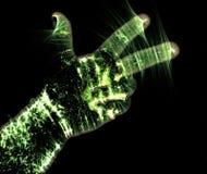 Gl?dande kirlian aurafotografi med gr?n krans av en manlig m?nsklig hand royaltyfri illustrationer
