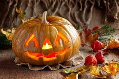 glödande halloween pumpa Fotografering för Bildbyråer