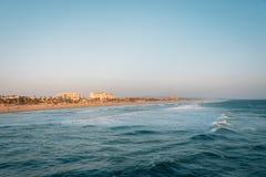 Gl?ttung des Sonnenunterganglichtes auf dem Strand im Huntington Beach, Kalifornien lizenzfreie stockfotografie