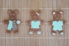 Glace-замороженные домодельные печенья на бежевой предпосылке Стоковое фото RF
