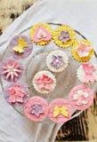 Glace avec différents gâteaux Photographie stock