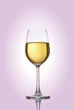Glace avec du vin blanc Photographie stock libre de droits