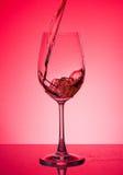 Glace avec du vin rosé Photo libre de droits