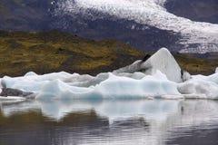 Glace congelée de glacier en Islande image libre de droits