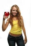 Glace de fixation de fille de vin image stock