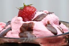 Glace de fraise Image libre de droits