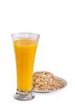 Glace de jus et d'éclailles d'orange images stock