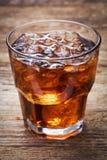 Glace de kola avec de la glace photographie stock