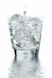 Glace de l'eau avec la réflexion photo libre de droits
