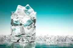 Glace de l'eau glacée Images libres de droits