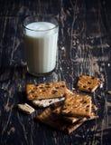 Glace de lait et de biscuits Images stock