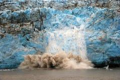 Glace de vêlage sur le glacier de l'enfant Photo libre de droits