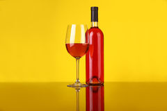 Glace de vin de Rose Photo stock