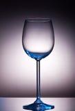 Glace de vin en cristal avec le contre-jour Photographie stock