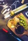 Glace de vin rouge et blanc Images libres de droits